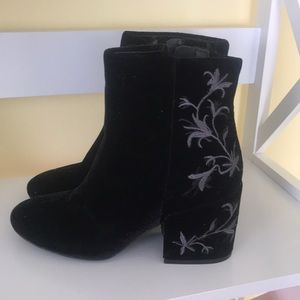Velour Kenneth Cole boots